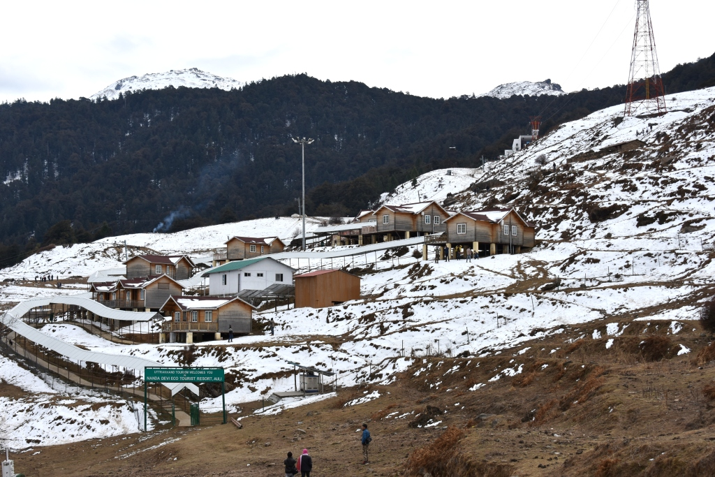 Snow covered Auli